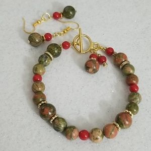 Jewelry - NEW! Unakite and red glass beaded bracelet